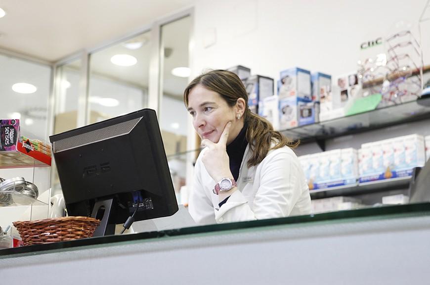 Alaitz Golzarri en la Farmacia Mungia